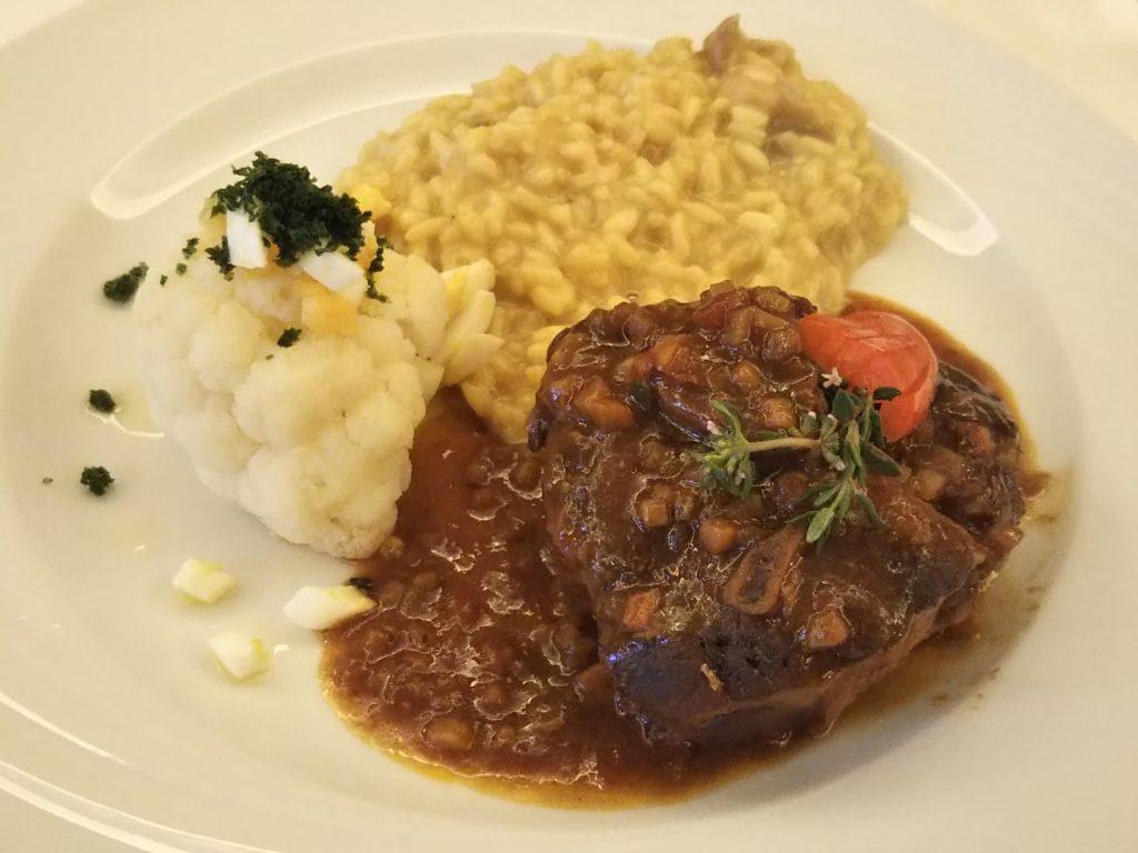 ホテルシェサスプオンダスの夕食:メインプレート