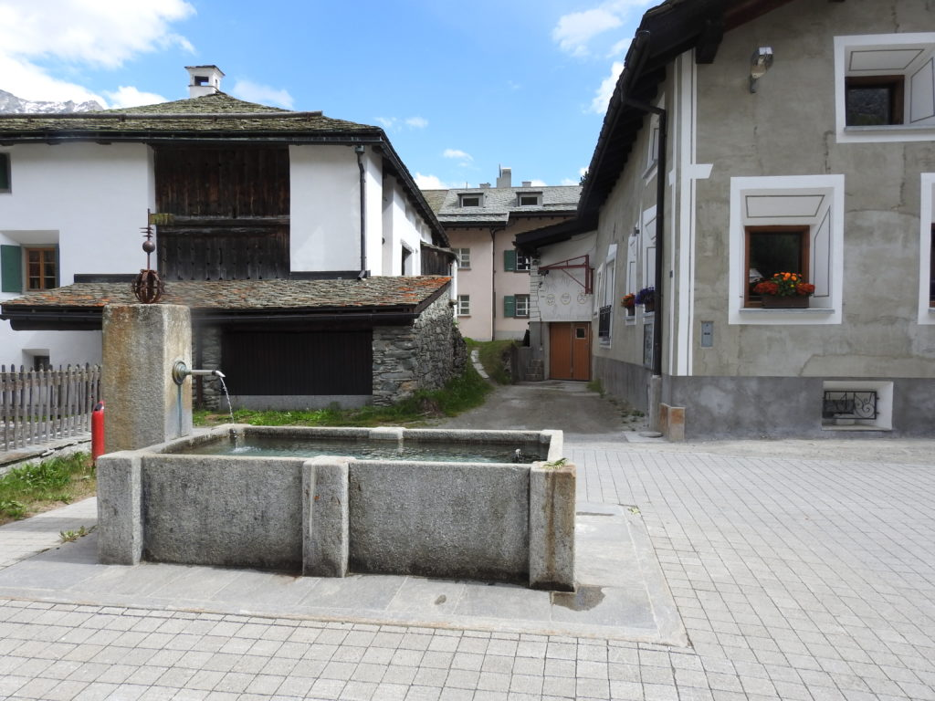 シルス村の住宅やホテル