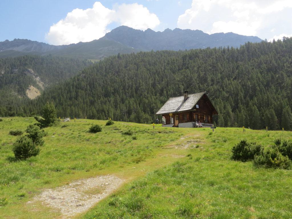 スイス国立公園ルート17小屋